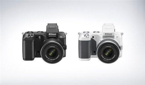 Nikon1-me-enallaximous-fakous-ths-